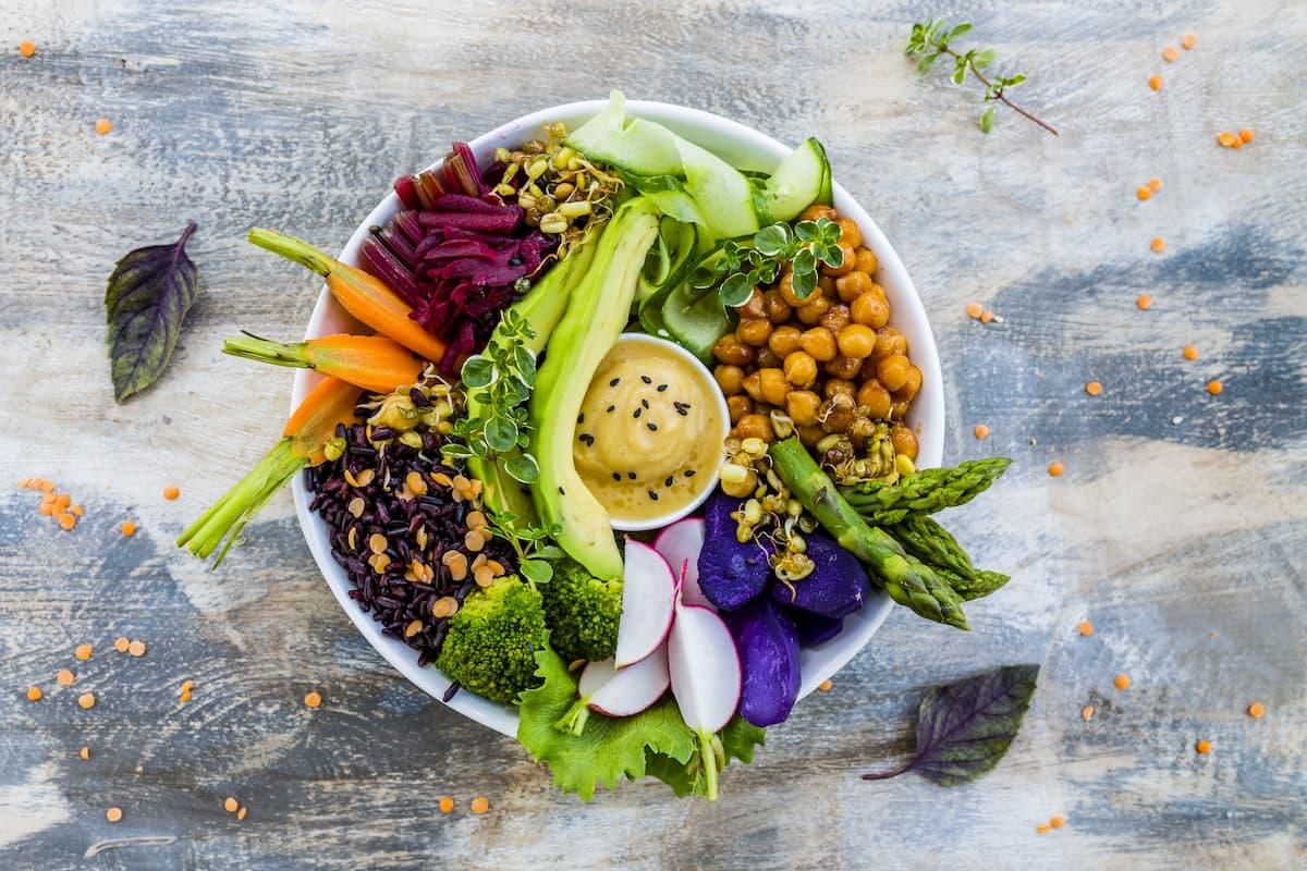 Buddha bowl : 4 recettes simples et délicieusement nutritives